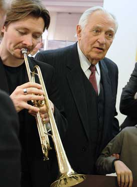 With Saulius Sondeckis, playing a few notes on the trumpet of Timofei Dokshizer